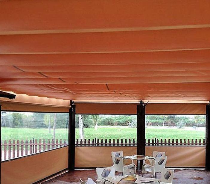 Toldos para terrazas de bares en granada toldos aire del for Donde queda terrazas